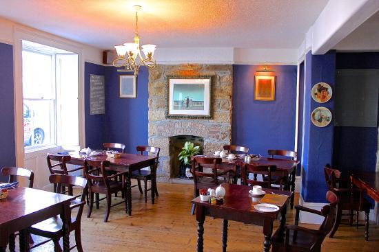 No.52 Bed & Breakfast: Dining Room