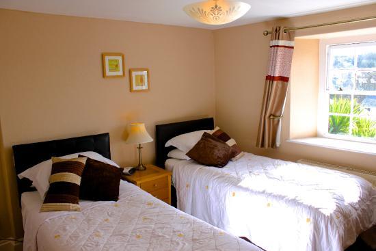 No.52 Bed & Breakfast: Twin/Double Ensuite room