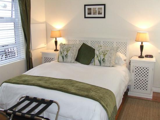 River Road Guest House: Donkin Room
