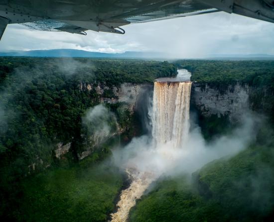 Kaieteur Falls: Birdsview of the waterfalls