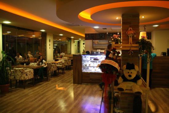 Myhouse Cafe