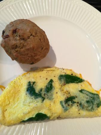 Centerville, MA: Thanks Marc @ Long Dell Inn​ for showing me the way to make a very pretty Omelette Florentino :-