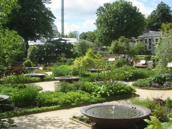 Tivoli gardens photo de jardins de tivoli copenhague for Jardin tivoli