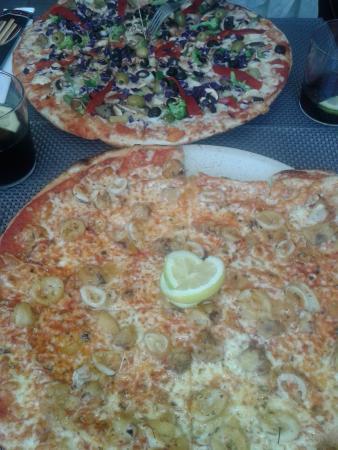 Pizzeria Piccola: pizza vegetal y pizza de calamares