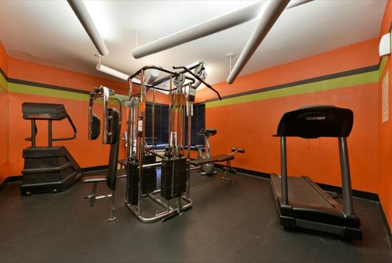 Jameson Suites Augusta: Fitness Room