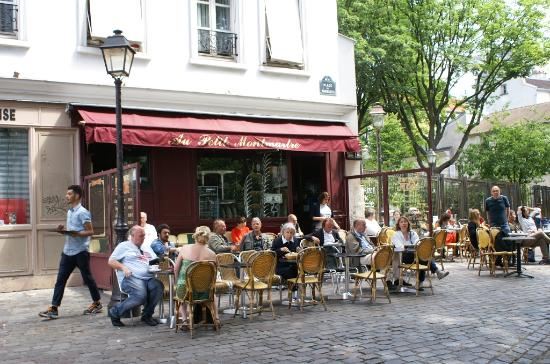 square place des abbesses picture of montmartre paris tripadvisor. Black Bedroom Furniture Sets. Home Design Ideas