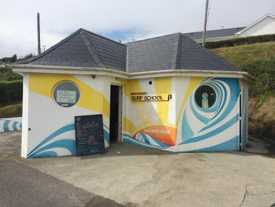 ‪Inchydoney Surf School‬