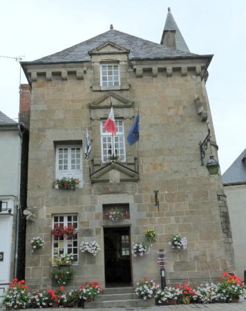 La maison de la lanterne abrite l 39 office de tourisme - Entremont le vieux office de tourisme ...