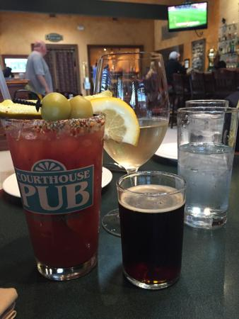 Courthouse Pub: Delicious beverages in a phenomenal atmosphere
