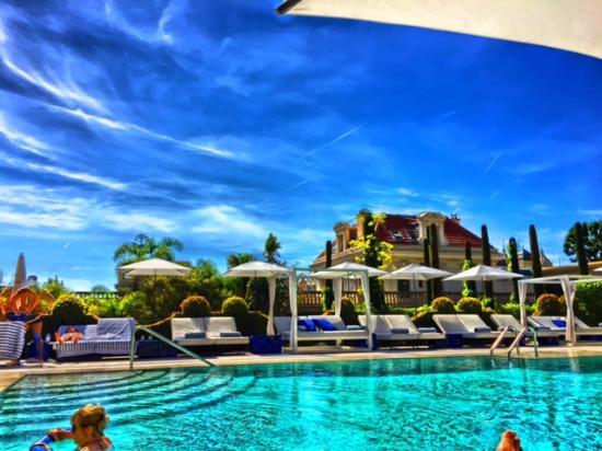 Hotel Metropole Monte-Carlo: piscina