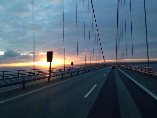 Øresundsbron : Hajnal