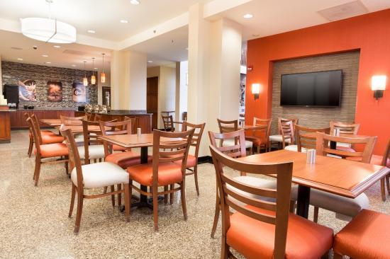 Drury Inn St. Louis Airport: Dining Area