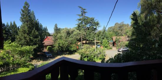 Sonoma Chalet: Morning view from balcony