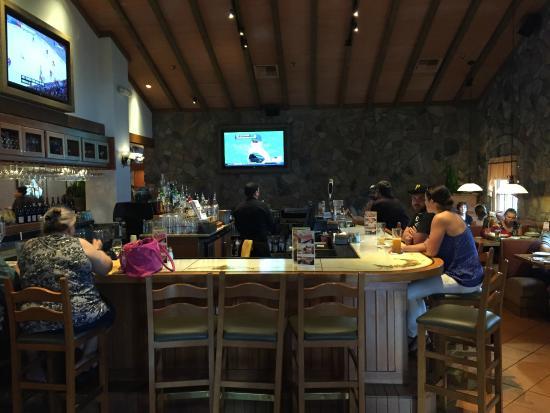 Bar area picture of olive garden chandler tripadvisor for Olive garden locations phoenix