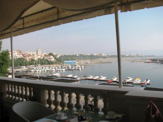 Hotel Palace: breakfast on the terrace