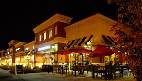 Seasons Innovative Bar & Grille