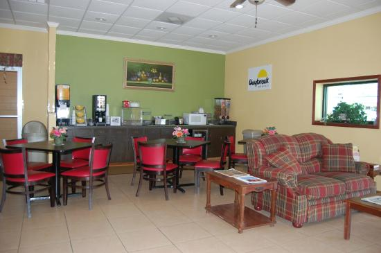 Pontotoc, Μισισιπής: Breakfast & Lobby Area
