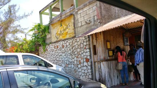 Top Caribbean Tours: Scotchies VERY VERY good food