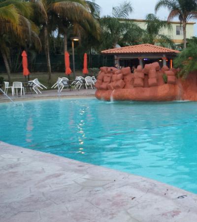 Hotel Punta Maracayo: Piscina hotel