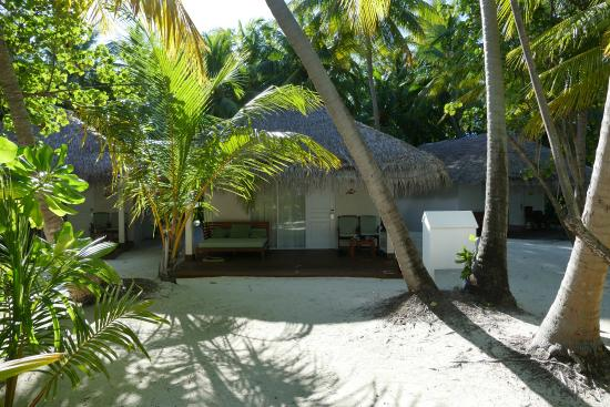 Vakarufalhi Island Resort: Strandbungalow 140