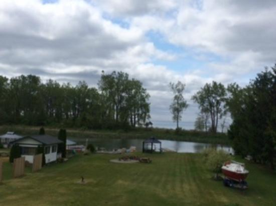 Alanna's Lakeside B&B: View from our room