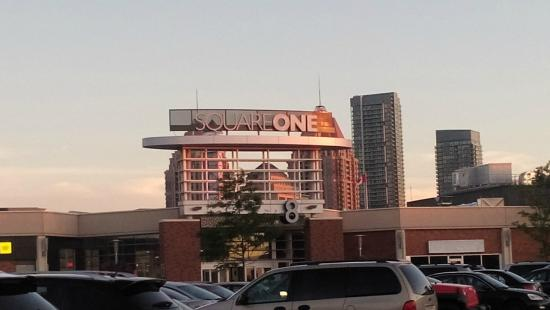 Square One Shopping Centre : Square one Shopping mall