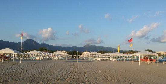 Bagno brunella e ada beach lido di camaiore italien anmeldelser - Bagno brunella lido di camaiore ...