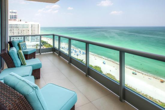 Churchill Suites Monte Carlo Miami Beach The Deluxe Ocean Front Apartment Suite Balcony Features Sweeping