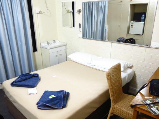 Kingsford Riverside Inn: Habitación