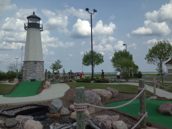 ‪Harbor Pointe Miniature Golf‬
