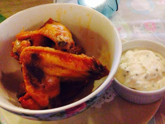 Timmy Macs Bistro: Started chicken wings