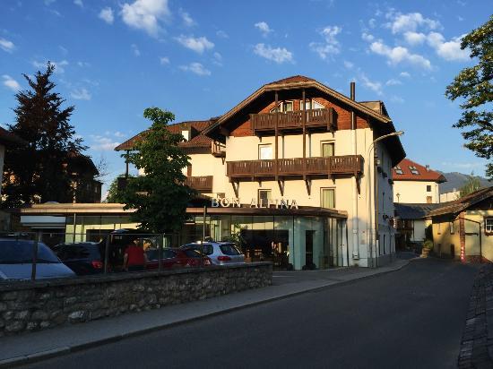 Outdoor Pool Picture Of Bon Alpina Innsbruck Tripadvisor