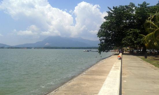 Pantai Merdeka: View during sunny day