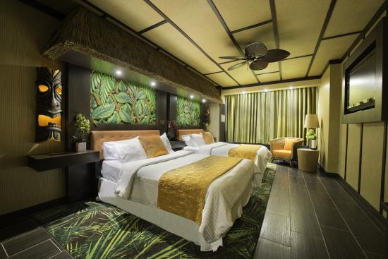 Fantasyland Hotel & Resort: Superior Modern Polynesian room