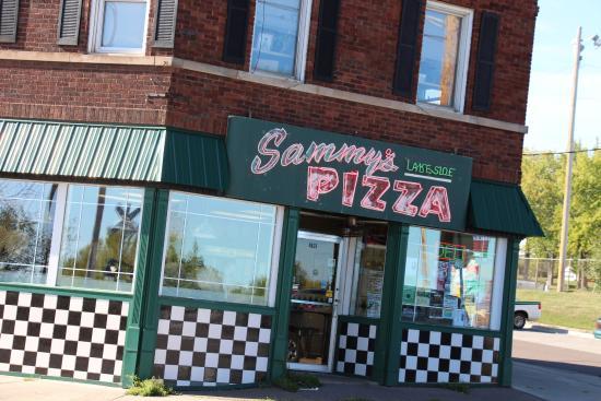 Sammy's Pizza - Lakeside