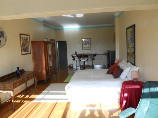 Bellevue Manor Guest House: Self-Catering Suite