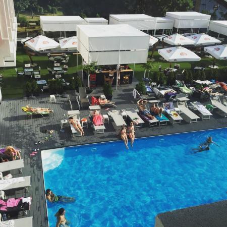 North Star Continental Resort : Piscine extérieur