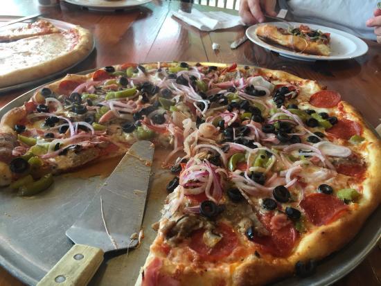 Jo-Jo Pizzeria & Restaurant : large Jo Jo's combo was delicious!