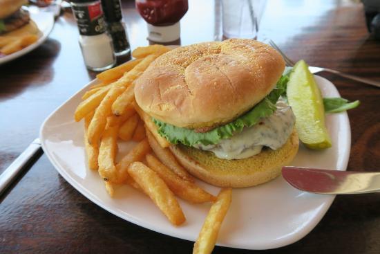 Harbor Grill: Cheeseburger