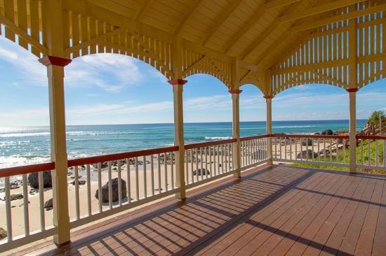 Coolangatta / Kirra Beach YHA: Kirra Beach.