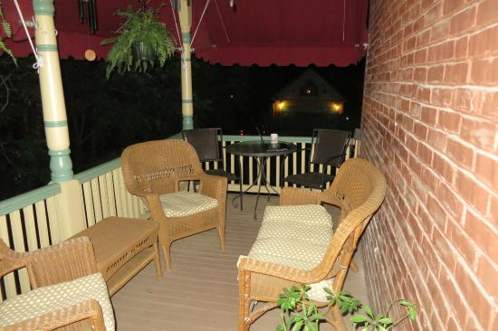 A New Beginning Bed and Breakfast: I so enjoyed this private balcony!