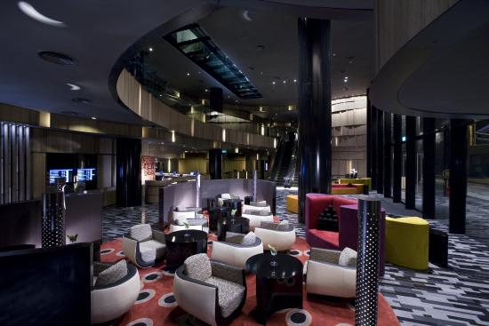 Crowne Plaza Changi Airport: Lobby Lounge