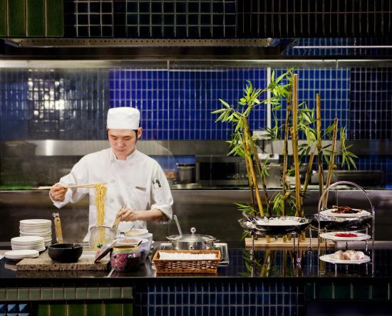 Crowne Plaza Changi Airport: Live Noodle Station at Azur Restaurant