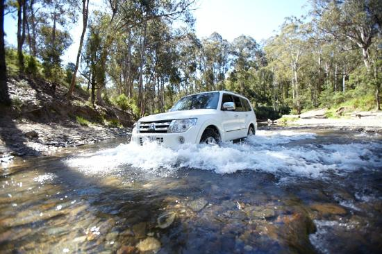 Aberfeldy, Australia: River crossing