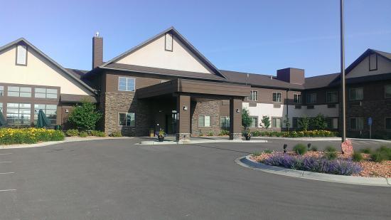 GrandStay Hotel & Suites Luverne: Entrance