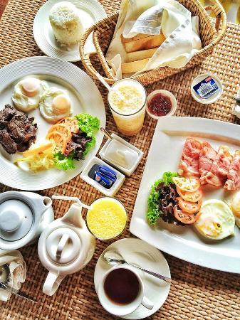 Eskaya Beach Resort & Spa: Hearty breakfast
