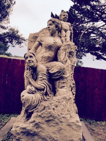 Mendocino Art Center: Outdoor sculpture