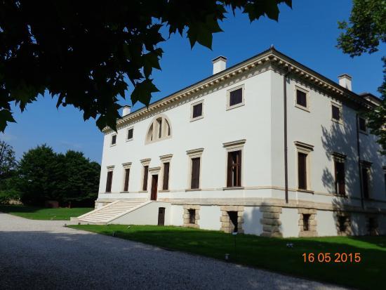 Lonigo, إيطاليا: la villa