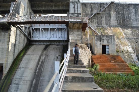 Mehsana, الهند: Dharoi Dam