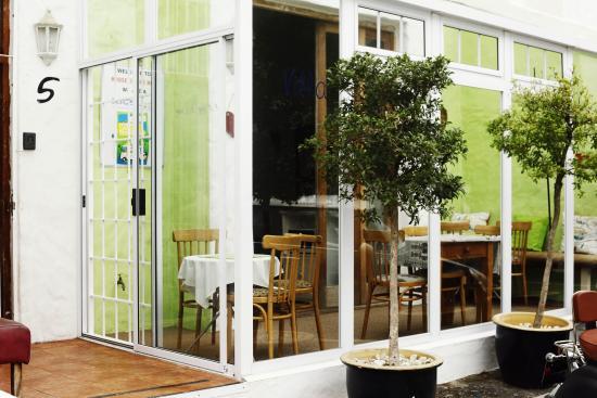 House on the Hill : verandah